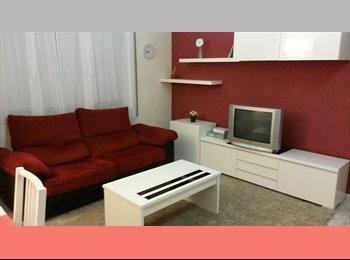 EasyPiso ES - Habitacion para CHICAS en Sabadell - Sabadell, Barcelona - €280