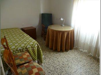 EasyPiso ES - Habitacion libre - Centro, Almería - €150