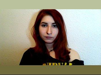 Isabel - 19 - Estudiante