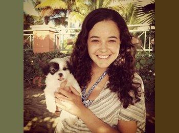 Melissa  - 22 - Estudiante