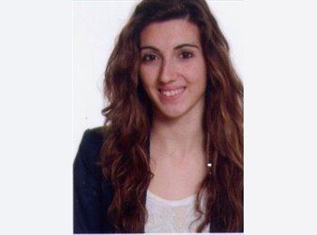 Miriam - 18 - Estudiante