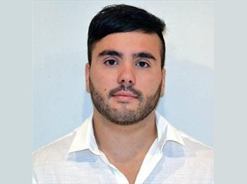 Javier - 23 - Profesional