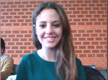 Paula - 19 - Estudiante