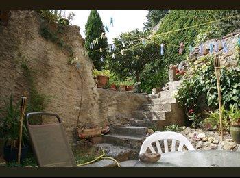 Appartager FR - Maison de village à Cadenet. - Cadenet, Cadenet - €400