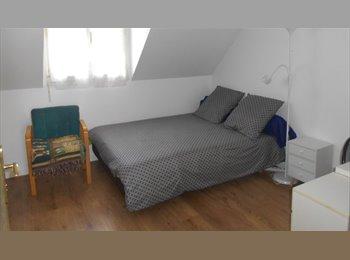 Appartager FR - Chambre chez l'habitant - Plaisir, Paris - Ile De France - €500