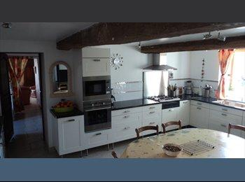 Appartager FR - chambres spacieuse - Mâcon, Mâcon - €350