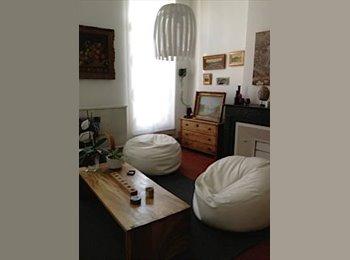 Appartager FR - CHAMBRE DISPONIBLE - 1er Arrondissement, Marseille - €400