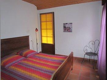 Appartager FR - chambre dans maison piscine  à 15 min de tarbes - Tarbes, Tarbes - €400