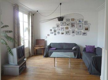Chambre dans spacieux 3 pièces meublé à Clichy