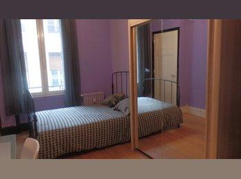Appartager FR - Chambre meublé avec salle de bain en centre ville - Saint-Etienne, Saint-Etienne - €220