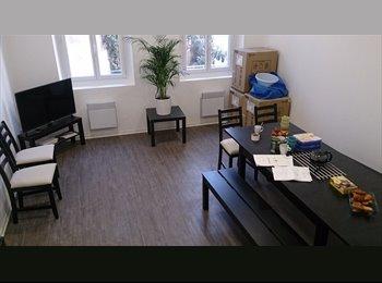 Appartager FR - Coloc à 11 dans maison de ville - 1er Arrondissement, Marseille - €400