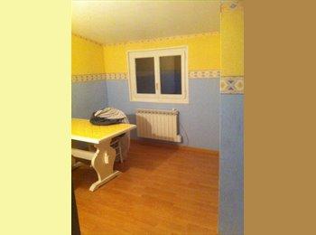 Appartager FR - Chambre 17 m2 - Montgeron, Paris - Ile De France - €450