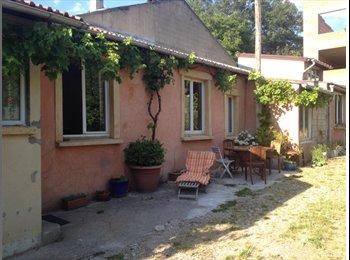 Appartager FR - Chambre spacieuse dans maison montreuilloise - Montreuil, Paris - Ile De France - €500