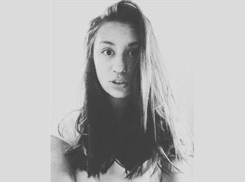Ekaterina - 18 - Etudiant