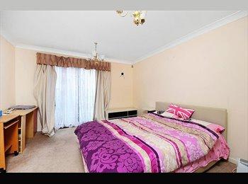 Nice double room in quiet area