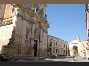 EasyStanza IT - camera con bagno uso doppia o singola - Lecce, Lecce - €225
