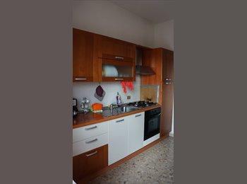 EasyStanza IT - VIALE MARCONI SINGOLA PER STUDENTESSA/ LAVORATRICE - Pescara, Pescara - €200
