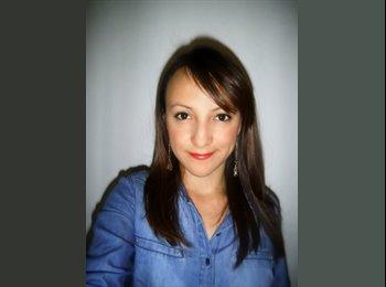 Stephanie - 24 - Profesional
