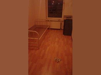 EasyKamer NL - kamer en zolder beschikbaar - Delfshaven, Rotterdam - €400