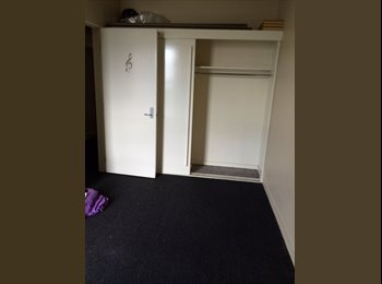 NZ - Central City Upstairs Apartment, 1 room available. - Christchurch Central, Christchurch - $160
