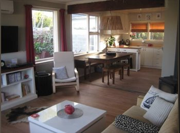 NZ - Short-term - 3 month availability for a couple - St Martins, Christchurch - $240