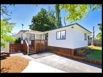 NZ - Sunny open plan 3 bedroom house - Ranui, Auckland - $150