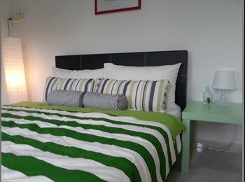 FEMALE ENVIROMENT, master bedroom for rent