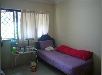 Single female tenant - 5 min walk from MRT