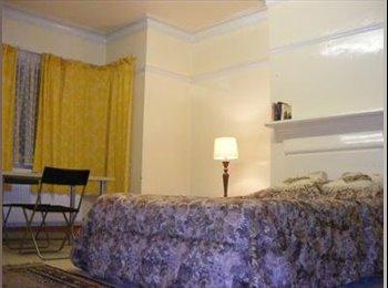 EasyRoommate UK - Bright Spacious Triple Room in Friendly House - Cricklewood, London - £695