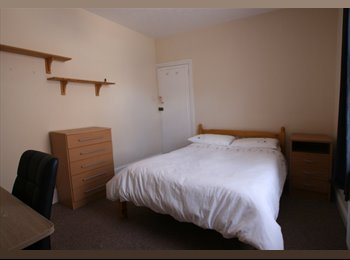 DOUBLE ROOM AVAILABLE SHARING WITH THREE FEMALES