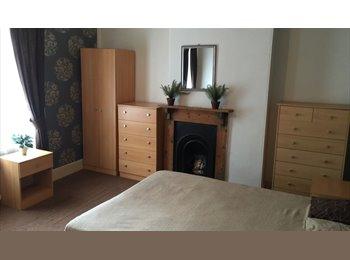 EasyRoommate UK - DOUBLE ROOM IN LOVELY REFURBISHED PROPERTY - Peterborough, Peterborough - £350