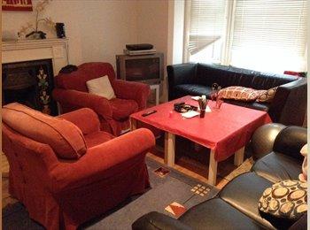 Double room £365pm NO DEPOSIT/NO BILLS/NO FEES