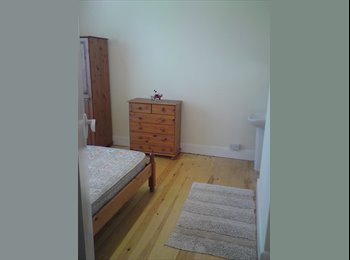 EasyRoommate UK - 3 ROOMS AVAILABLE NR NEWQUAY IN HOUSESHARE  - Quintrell Downs, Newquay - £400