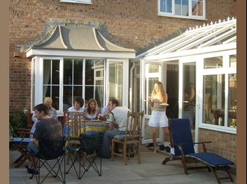 EasyRoommate UK - Double room in mixed houseshare - Canford Heath, Poole - £450