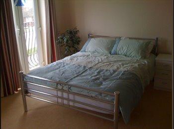 EasyRoommate UK - Kingsize Room in Wellingborough - Wellingborough, Wellingborough - £440