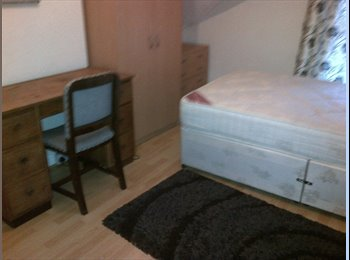 Single and double  rooms to let Grimsby