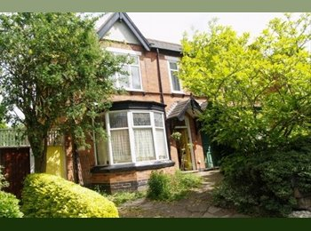 1 bedroom in shared family Victorian House