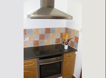 EasyRoommate UK - 3 Bedroomed terraced house to let in Silverdale - Silverdale, Newcastle under Lyme - £450