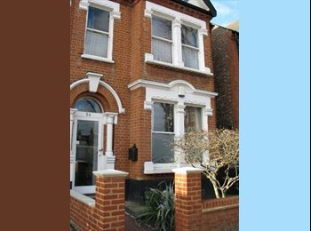 Double room in great house in Acton.