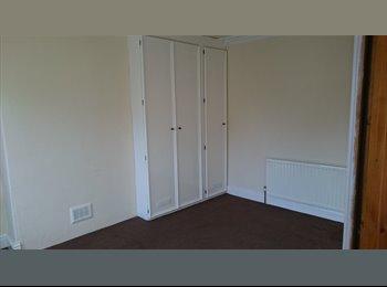 EasyRoommate UK - House share next to town centre - Harrogate, Harrogate - £440