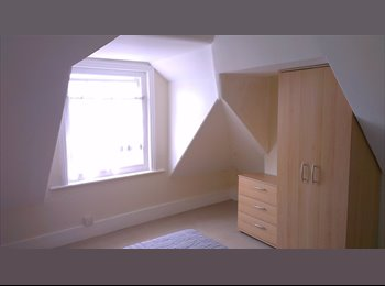 Single Room [Double Bed] Available in Shared House