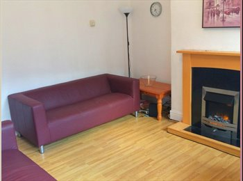 SHARED STUDENT HOUSE - NO SUMMER RENT- VIEW NOW !!
