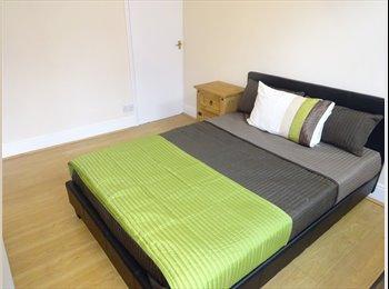EasyRoommate UK - Brand New En Suite Room **ONLY £100 DEPOSIT** - Alvaston, Derby - £425