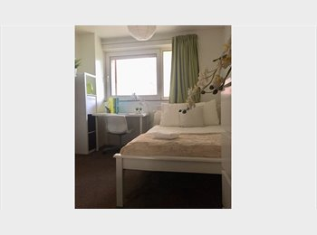 EasyRoommate UK - ONLY FOR COUPLES AVAILABLE FROM MAY 29TH - Fratton, Portsmouth - £470