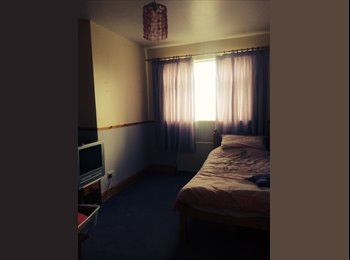 EasyRoommate UK - Double Room for Rent - Coalville, N.W. Leics and Chamwood - £395
