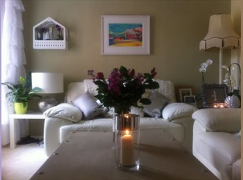 EasyRoommate UK - DOUBLE ROOM AVAILABLE FOR 6 MONTHS  Nov - May - Bedminster, Bristol - £380