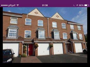 EasyRoommate UK - Big Nice New House near Festival Park Hanley! - Stoke-on-Trent, Stoke-on-Trent - £320