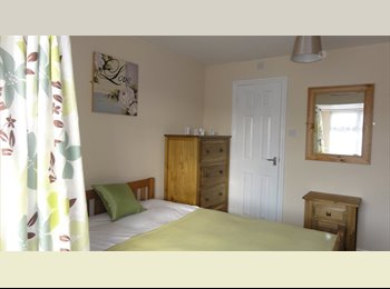 EasyRoommate UK - Ref: MF EXECUTIVE LUXURY EN-SUITES Sort after area - Stretton, Burton-on-Trent - £386