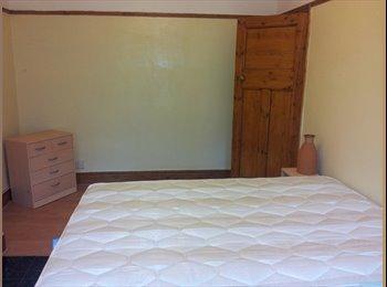 EasyRoommate UK - large double room availalbe in Streatham - Streatham, London - £550