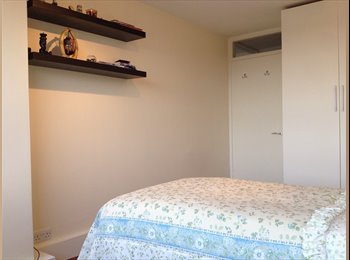 Nice double bedroom with a lovely view over London